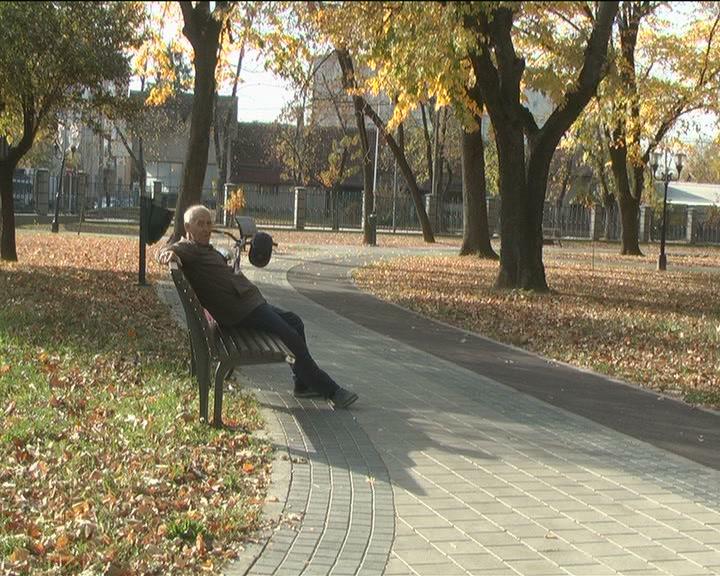 Lepo vreme izmamilo Kruševljane u parkove i šetališta