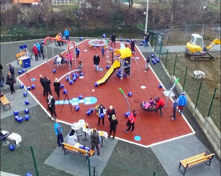 """""""Kome je stalo gde nam deca rastu"""": Niveino igralište za mališane u Brusu"""