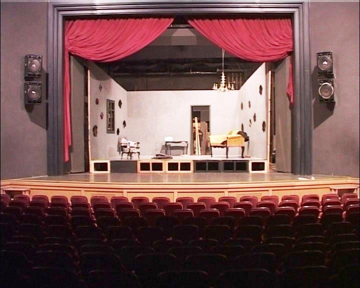 U Kruševačkom pozorištu u toku rekonstrukcija enterijera sale