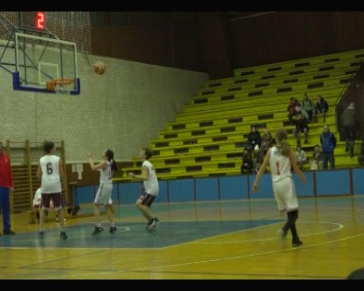 Novogodišnji turnir u basketu u Trsteniku