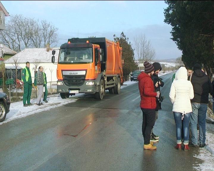 """Ekipe Radne jedinice """"Čistoća"""" JKP Kruševac proširile teritoriju organizovanog iznošenje smeća i komunalnog otpada"""