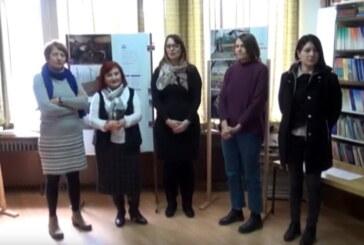 """U Narodnoj biblioteci u Aleksandrovcu izložba fotografija u okviru internacionalnog projekta """"Komunikacija do ženske solidarnosti"""""""