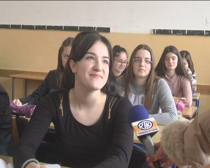 """Anketa o jeziku kao uvod u emisiju Televizije Kruševac """"Razgovor s povodom"""""""