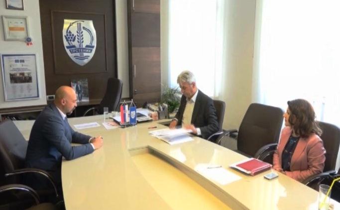 Trstenik: Potpisan sporazum koji će doprineti bržem razvoju Opštine
