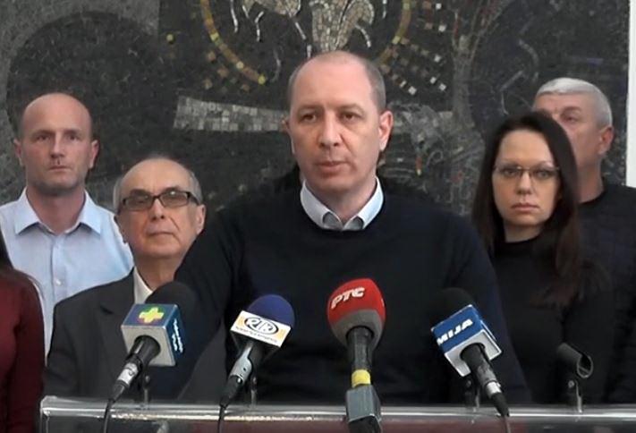 Odbornici SNS u Skupštini Grada Kruševca od petka u konstantim dežurstvima kako bi odbranili volju gradjana pokazanu na izborima
