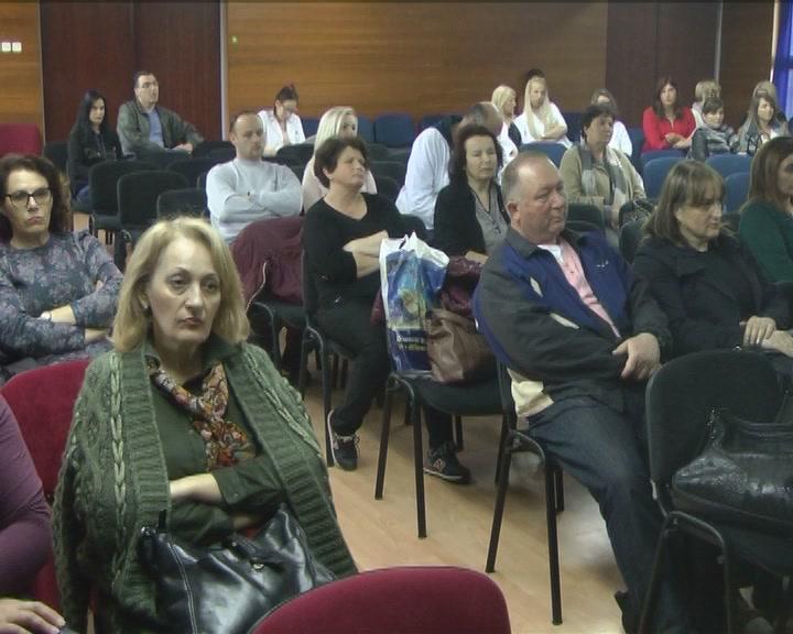 """U susret Danu medicinskih sestara održana tribina """"Medicinska greška"""""""