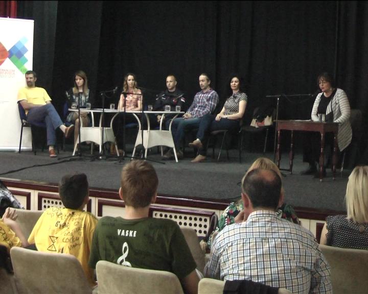 """U okviru projekta """"Znanjem do posla"""" u Kulturnom centru održan """"Realni susret"""""""