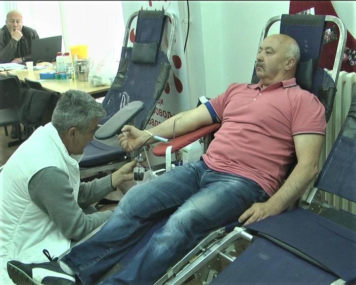Akcija dobrovoljnog davanja krvi u prostorijama Crvenog krsta