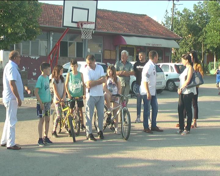 Savet za bezbednost saobraćaja GO SNS organizovao tribine u mesnim zajednicama Tekije i Gaglovo