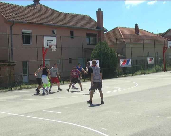 Turnir u košarci u naselju Lazarica