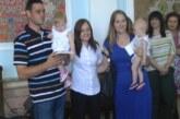 """Vidovdanska akcija """"Treće dete"""": Poklon čestitke roditeljima pedeset troje dece"""