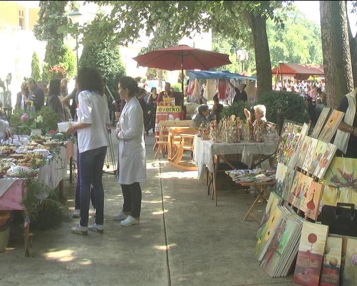 U Ribarskoj Banji održan tradicionalni Etno festival starih zanata, jela i muzike