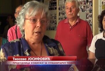 """Udruženje penzionera u Kruševcu u poseti Domu """"Izvor"""" kod crkve Sveta Petka u Paraćinu"""