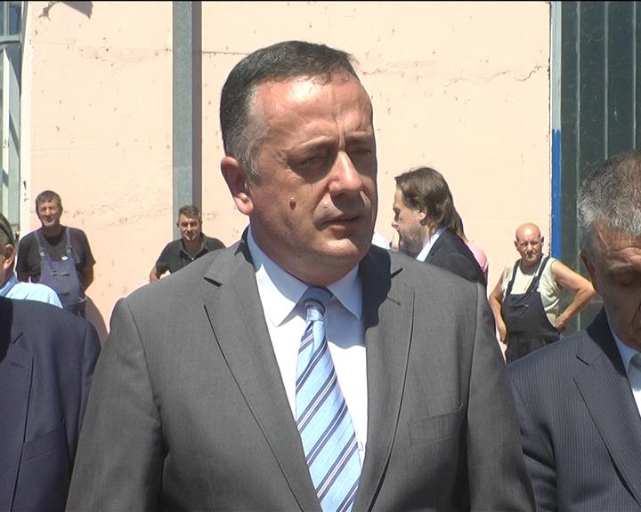 Ministar Aleksandar Antić nakon sastanka sa rukvodstvom Kruševca danas obišao i Gradsku toplanu