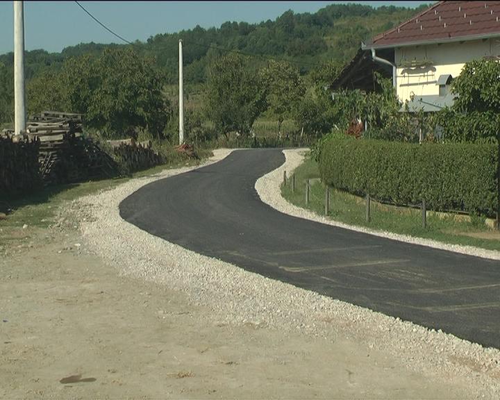 Završeno asfaltiranje ulice u Gronjem Stepošu