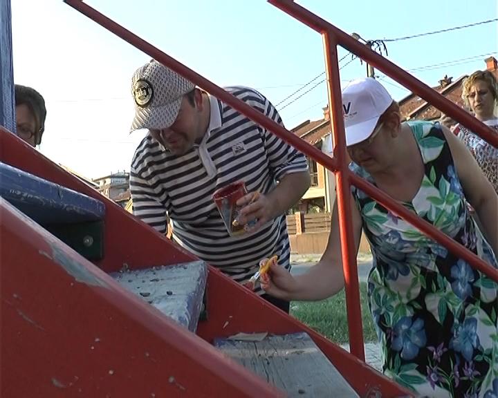 Akcija uređenja dečijih mobilijara i igrališta u Rasadniku