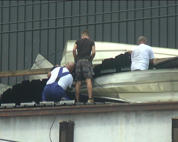 Na objektimakruševačkog Sportskog centra najveća šteta pričinjena na delu krova zatvorenih bazena