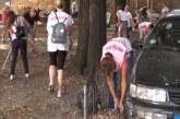 Čišćenje parkovskog prostora između Doma sindikata i zgrade Češalj 1 u Kruševcu