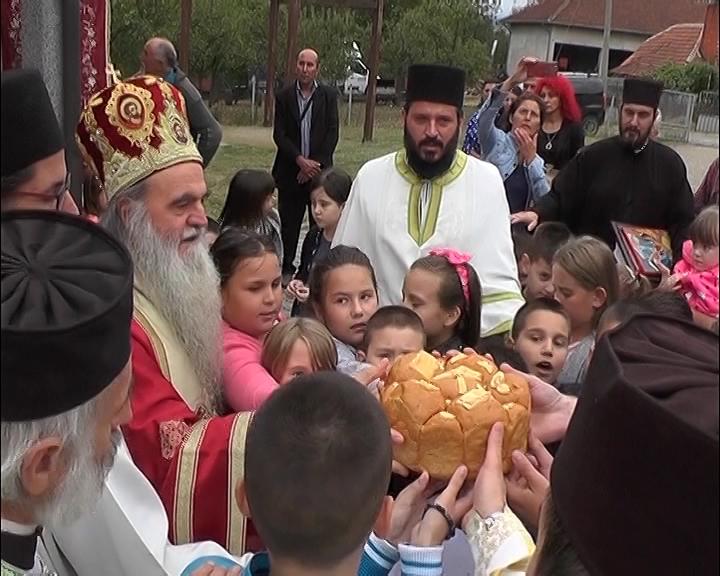 U Donjem Stepošu tik do crkve i škola čije je uređenje u toku