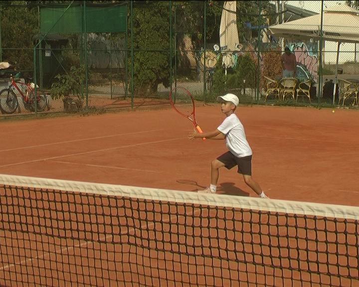 Nikola Stefanović uspešno završava pripreme za finalni turnir Svetske juniorske teniske serije