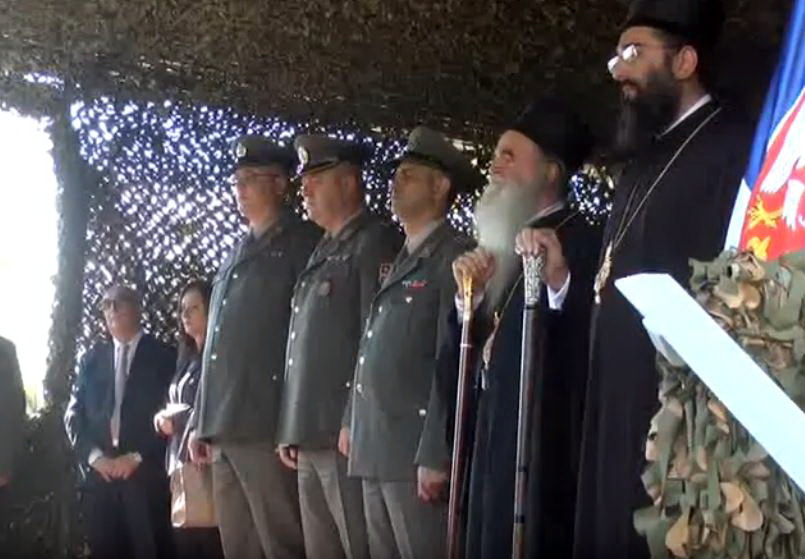 """Na vojnom kompleksu """"Ravnjak"""" osveštan bogoslužbeni prostor posvećen Vozdviždenju Časnoga Krsta."""
