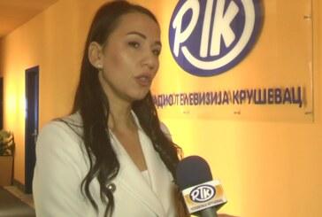 Grad Kruševac izdvojio značajna sredstva za nabavku školskog pribora i ogreva za korisnike Centra za socijalni rad