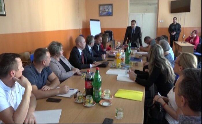 Ugovori o realizaciji dualnog obrazovanja za dva odeljenja prvog razreda Tehničke škole u Trsteniku