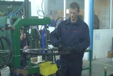 U okviru programa prekvalifikacije u pogonu kompanije Planet Bike na obuci pet lica
