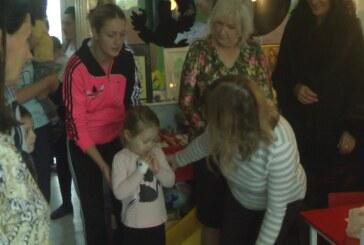 """Udruženje """"Prijatelji dece"""" posetilo Dečije odeljenje Opšte bolnice Kruševac"""