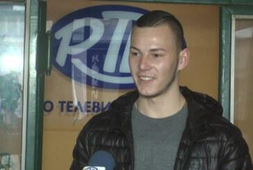 GOST RTK: Dušan Vidaković iz Bele Vode, prvi preplivao stazu od 33 metra do Časnog krsta