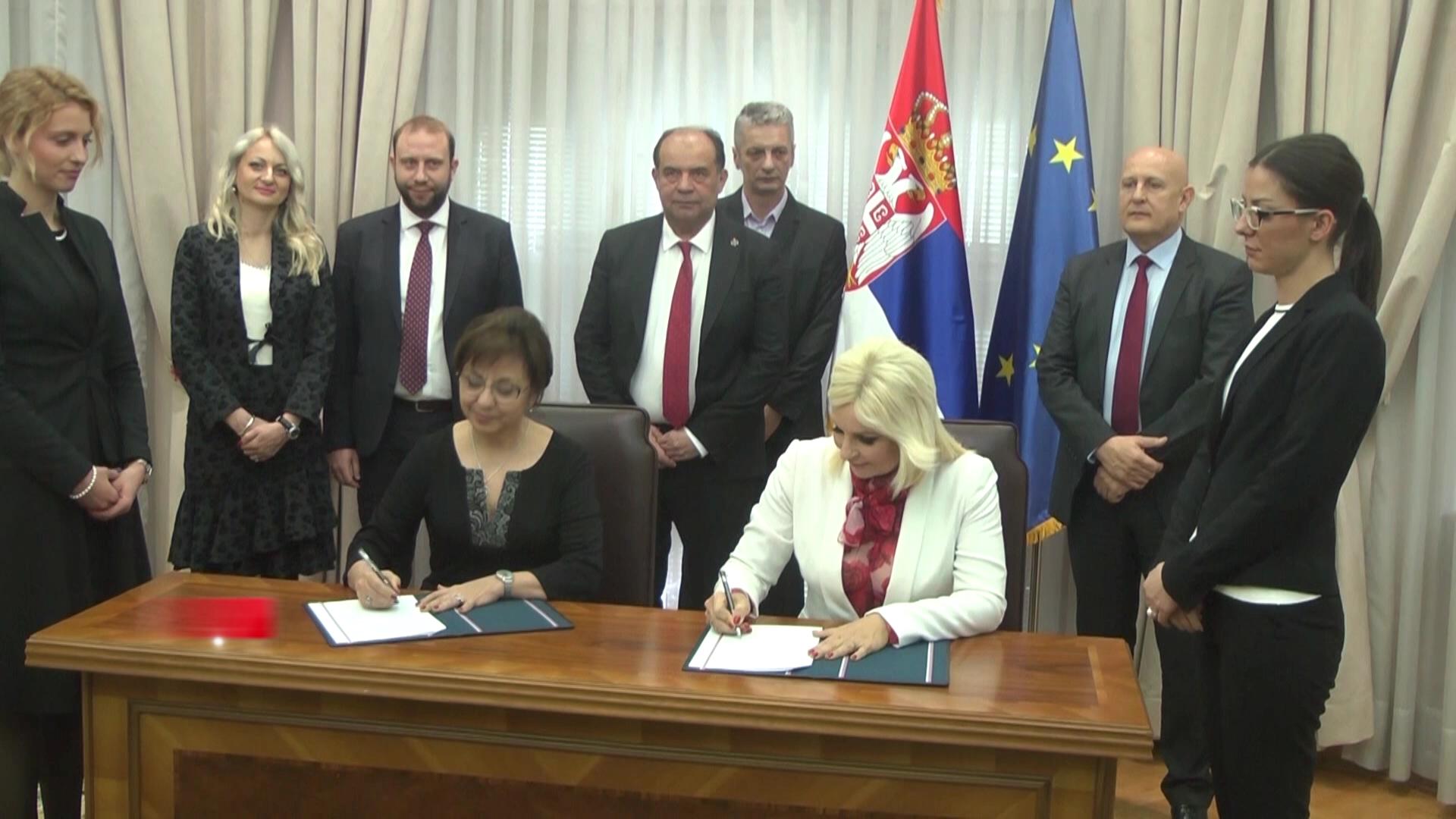 Potpisan ugovor o prenosu osnivačkih prava za aerodrome u izgradnji u Kruševcu i Užicu