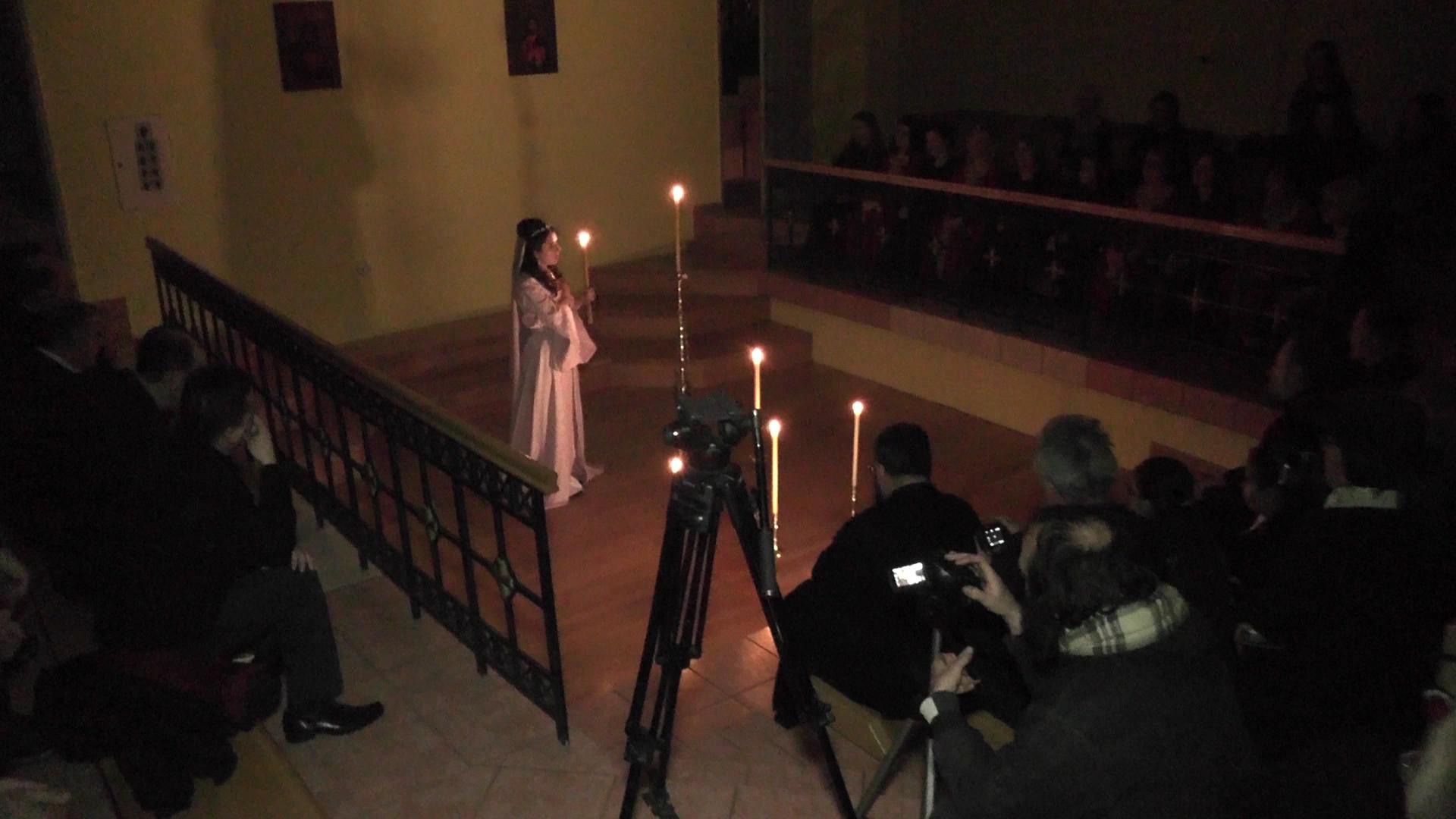"""Monodrama """"Princeza Olivera"""" u amfiteatru crkve Lazarice"""