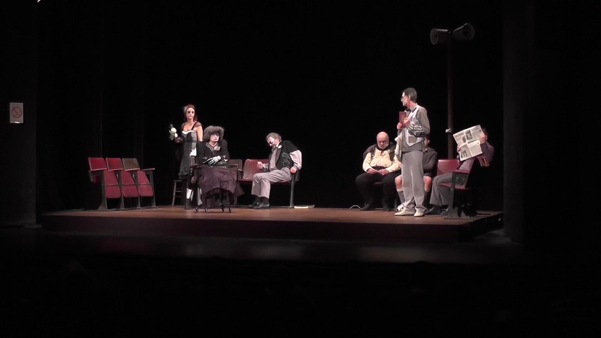 """Premijera predstave """"Familija, Čin III scena 14"""" u Kruševačkom pozorištu"""