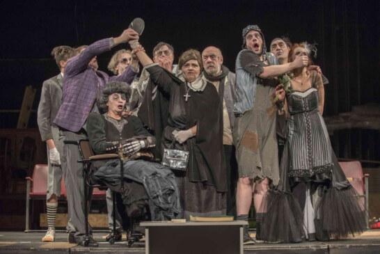 """Pred predpremijeru predstave """"Familija, Čin III scena 14"""" u Kruševačkom pozorištu"""