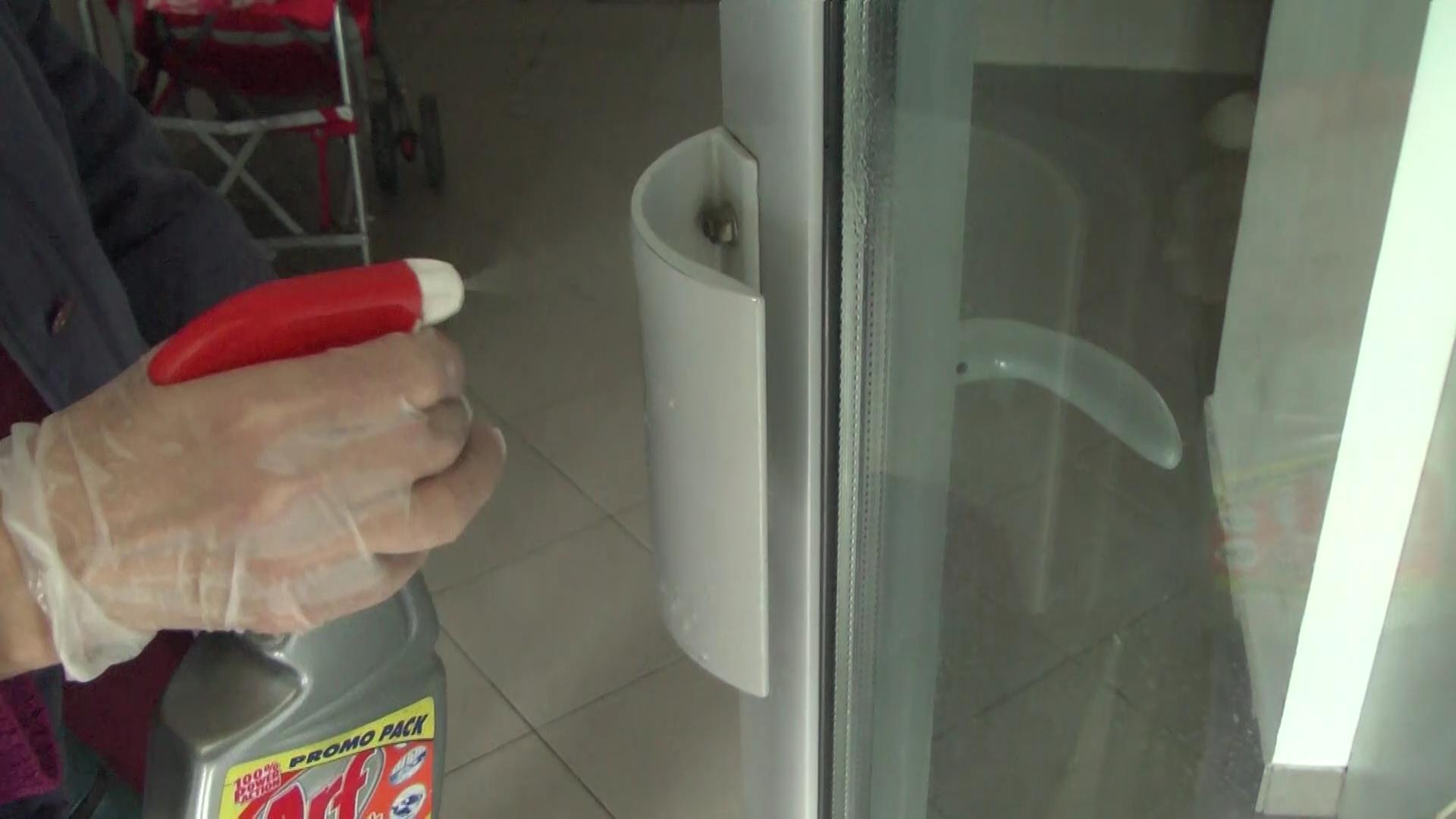 U Kruševcu svakodnevno kompletna dezinfekcija zgrada, ulaza i prilaza stambenim objektima