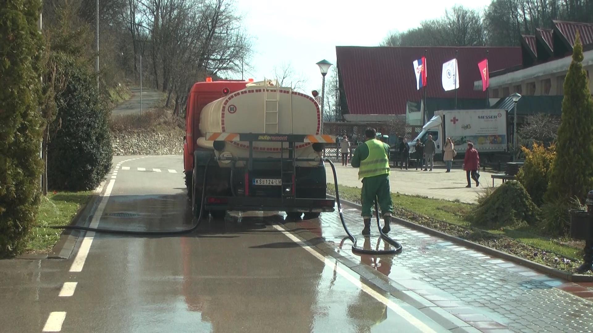 Javno komunalno preduzeće Kruševac počelo sa pranjem ulica i na seoskom području