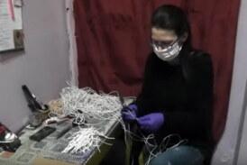 I Kruševacko pozorište onlajn, u krojačnici se šiju zaštitne maske, predstave uskoro i na RTK