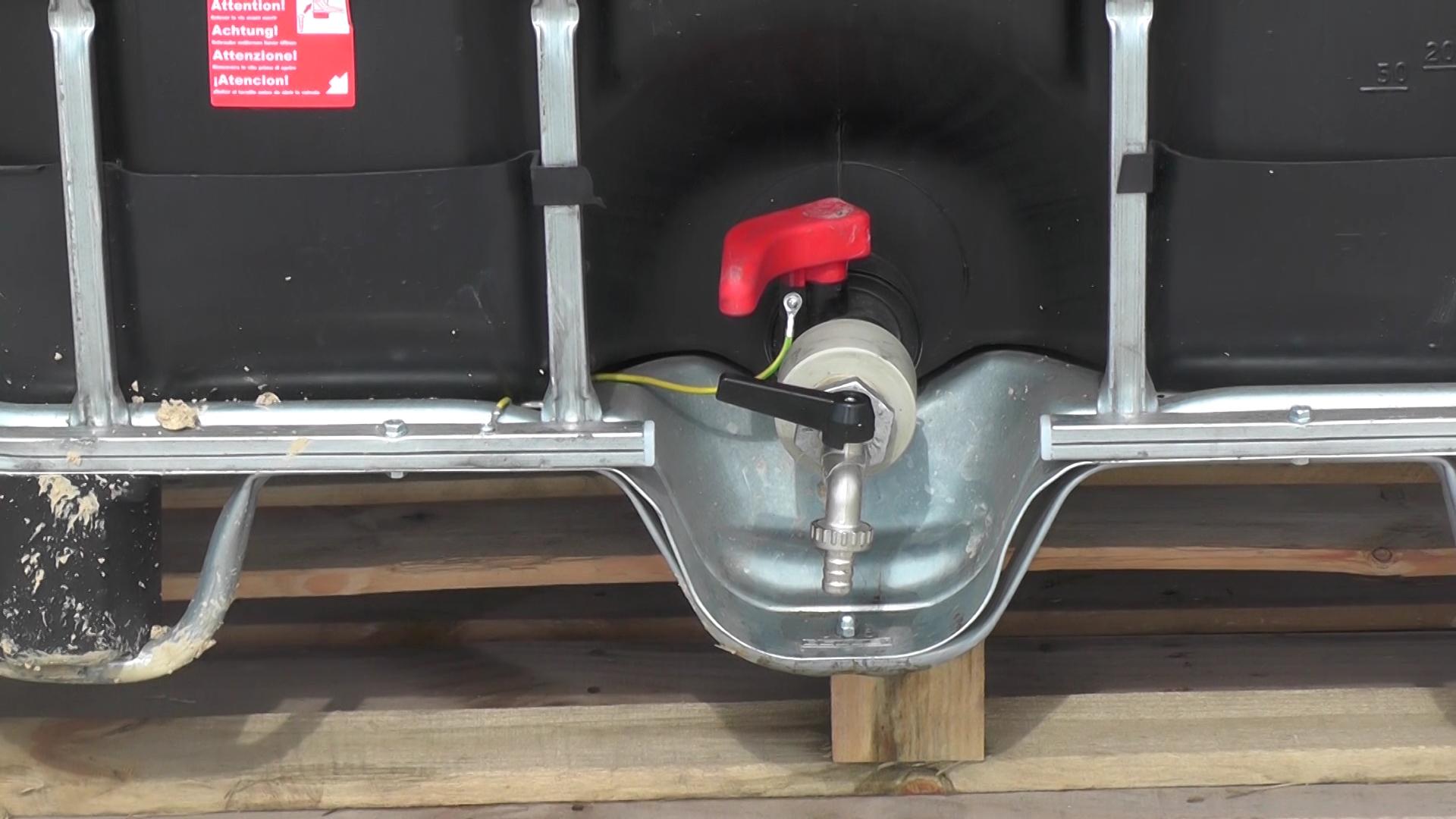 U Kruševcu počelo postavljanje rezervoara sa rastovom natrijum – hipohlorita