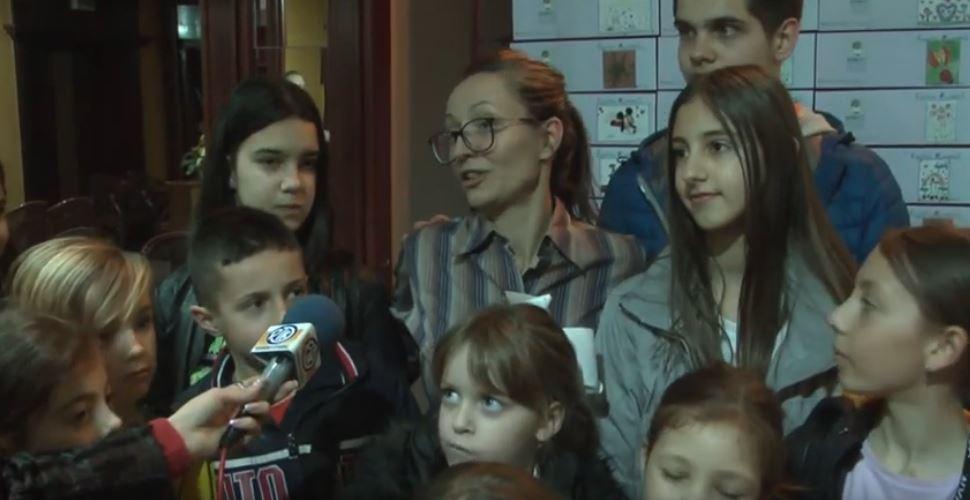 """Prodajna izložba čestitki povodom 8. marta najmlađih polaznika škole crtanja """"BukvArt""""-a"""