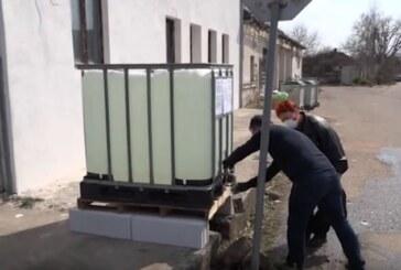Postavljanje rezervoara sa sredstvom za dezinfekciju po mestima širom opštine Trstenik.