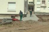 Javno komunalno preduzeće uređuje prostor buduće zgrade za interno raseljena lica u Kruševcu