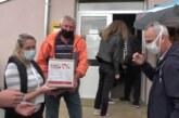Zapenzionere sa teritorije Mesne zajednice Malo Golovode distribucija pomoć-paketa pri kraju.