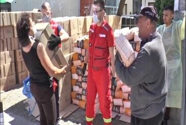 Crveni krst Kruševac započeo podelu 380 paketa za ugrožene porodice iz romskih naselja