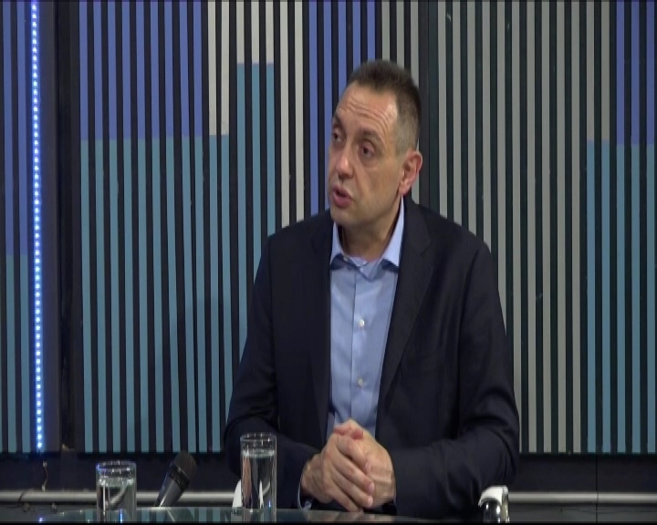RAZGOVOR S POVODOM: Ministar odbrane Aleksandar Vulin (CELA EMISIJA)