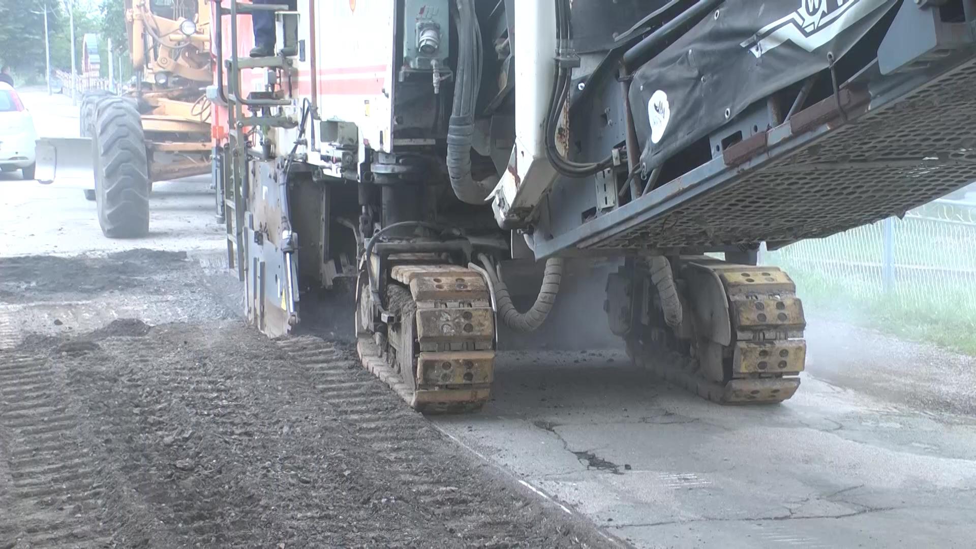 U Mesnoj zajednici Zdravinje radovi na rekonstrukciji dva puta puta dužine 1750 metara