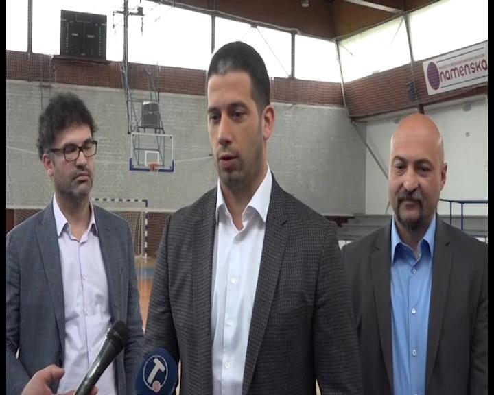 Ministar omladine i sporta Vanja Udovičić u poseti trsteničkoj opštini