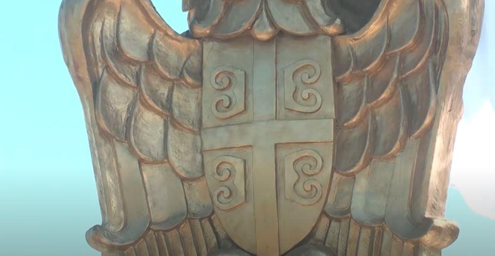 Na Bagdali postavljen jarbol sa srpskom zastavom