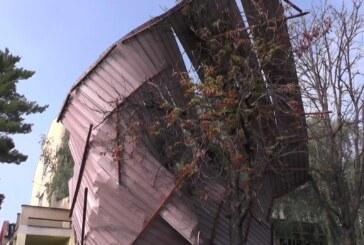 Nevreme oštetilo delove krovova na OŠ Vuk Karadžić, Komericijalnoj banci i Gerontološkom centru