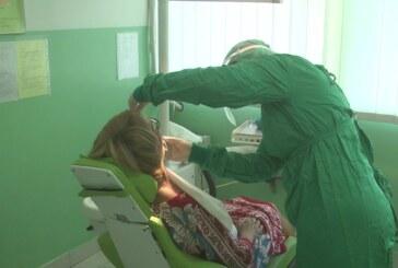 Stomatološka služba poštujući propisane mere radi sa pacijentima u dezinfikovanim i sterilnim ordinacijama