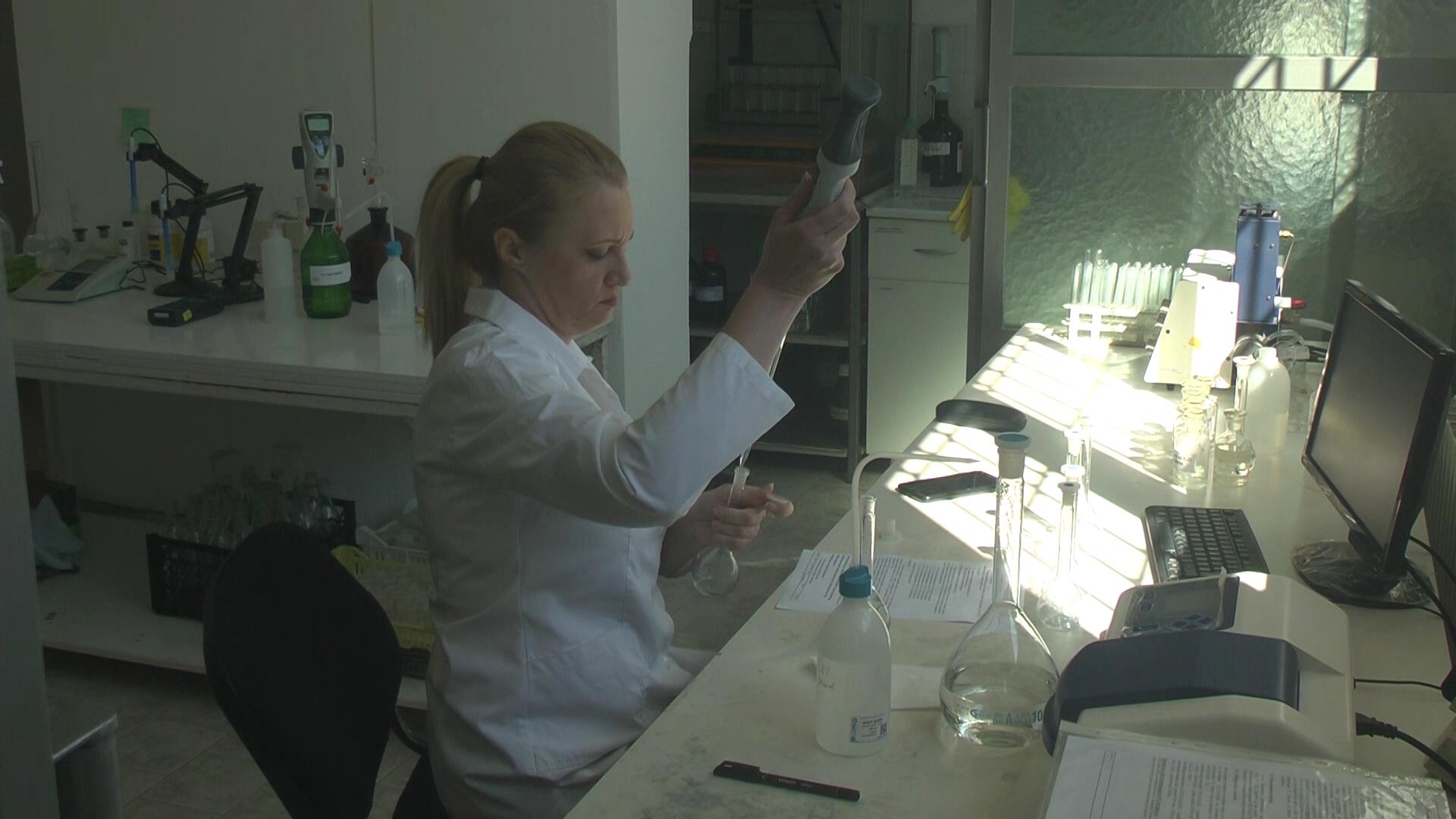 U sklopu Poljoprivredne savetodavne i stručne službe Kruševac radi i laboratorija